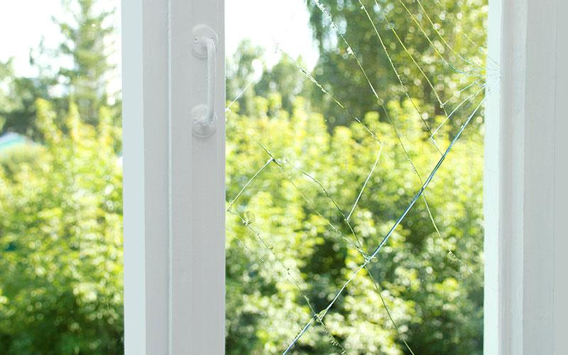 vitre cassée qui paye